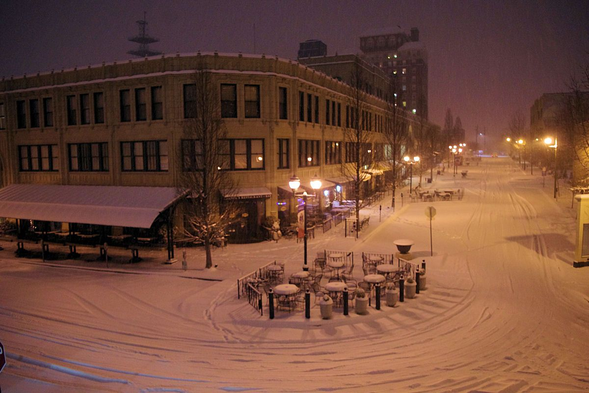 Downtown asheville photo tour snow in north carolina