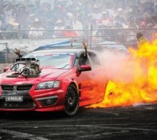 HOW THE AUSSIES DO. ALL HEART!!! summernats_28_burnouts #musclecars #muscle #cars #muscle #car #quot