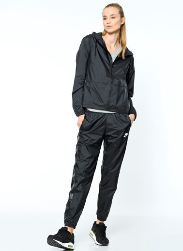Nike 804546-010 Nike Woven Tracksuit,Black/White,L Beden 17910787 ürününü, 134,90 TL fiyatıyla online satın alın. Sezon indirimleri ve Kapıda Ödeme Avantajı Morhipo.com'da.