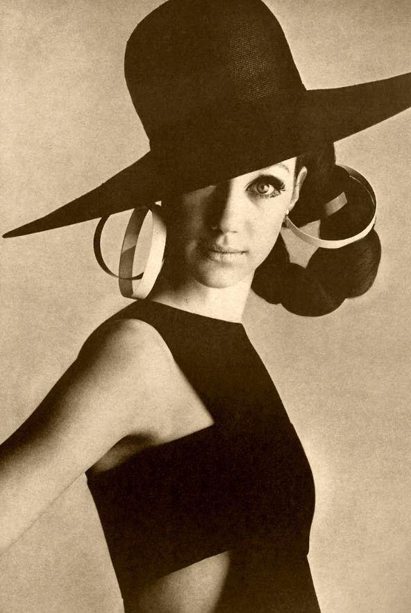 Marisa Berenson, 1966.  Her grandmother was the great designer Elsa Schiaparelli.
