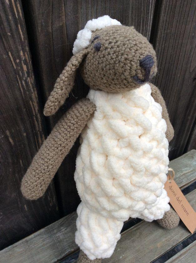 Babyspielzeug Kuscheltier Schaf Sophie gehäkelt | Babyspielzeug ...