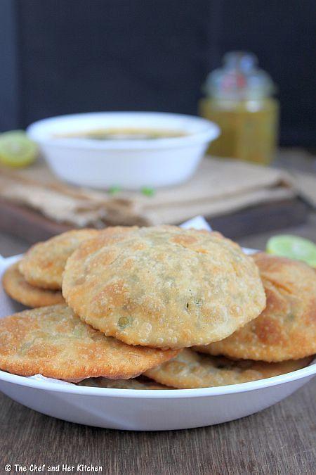 the chef and her kitchen matar kachori green peas kachori and alu sabzi delhi styl in 2020 on hebbar s kitchen kachori id=68404