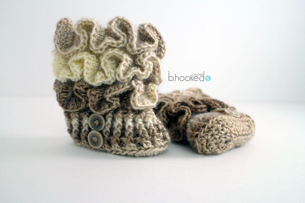 Ruffled Crochet Baby Booties | Arnes, Volantes y Bebé