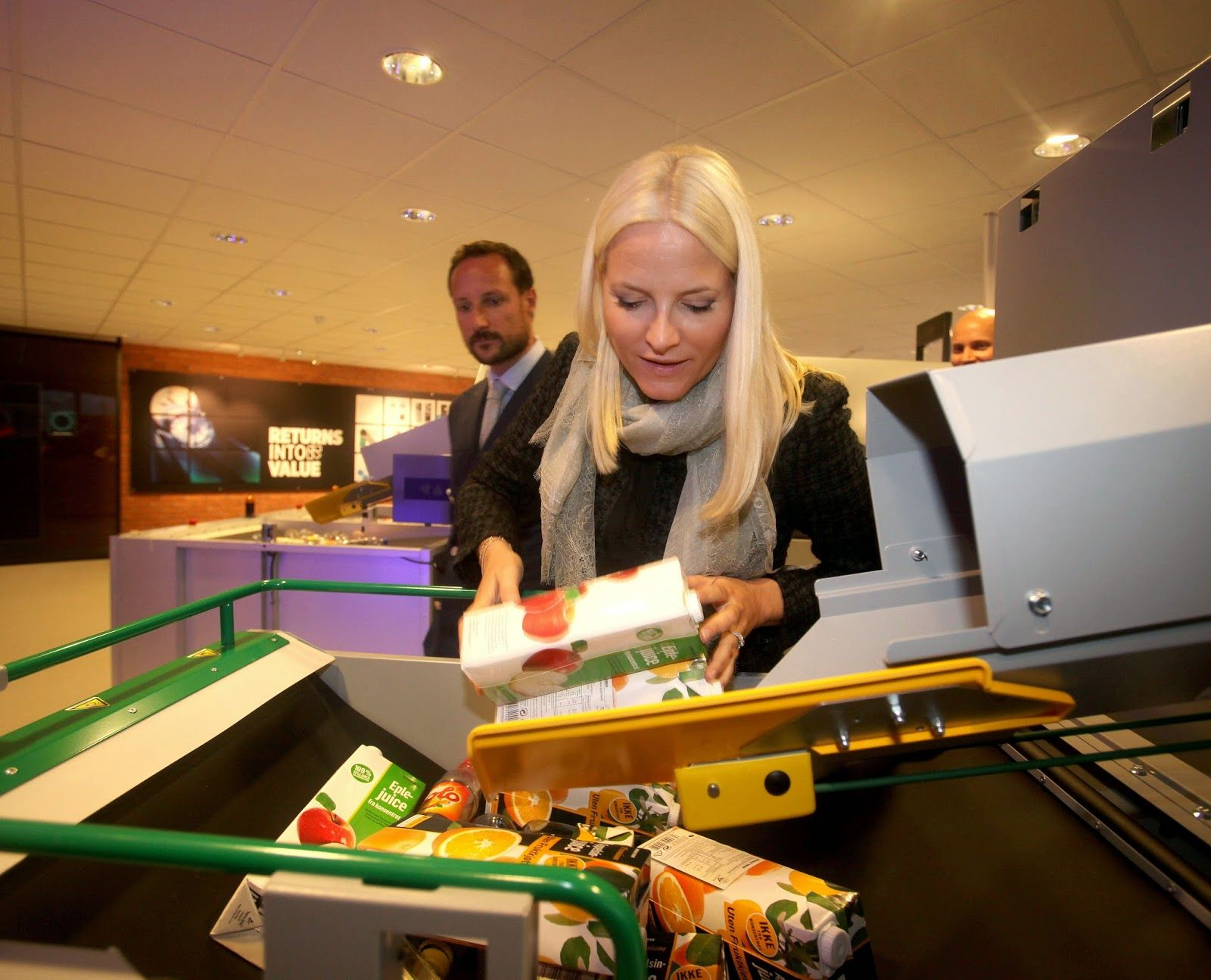 Queens & Princesses - Prince Haakon and Princess Mette Marit visited Tomra is a recycling plant