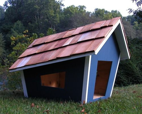 I Would Love To Have This Doghouse It S So Cartoon Like It Looks