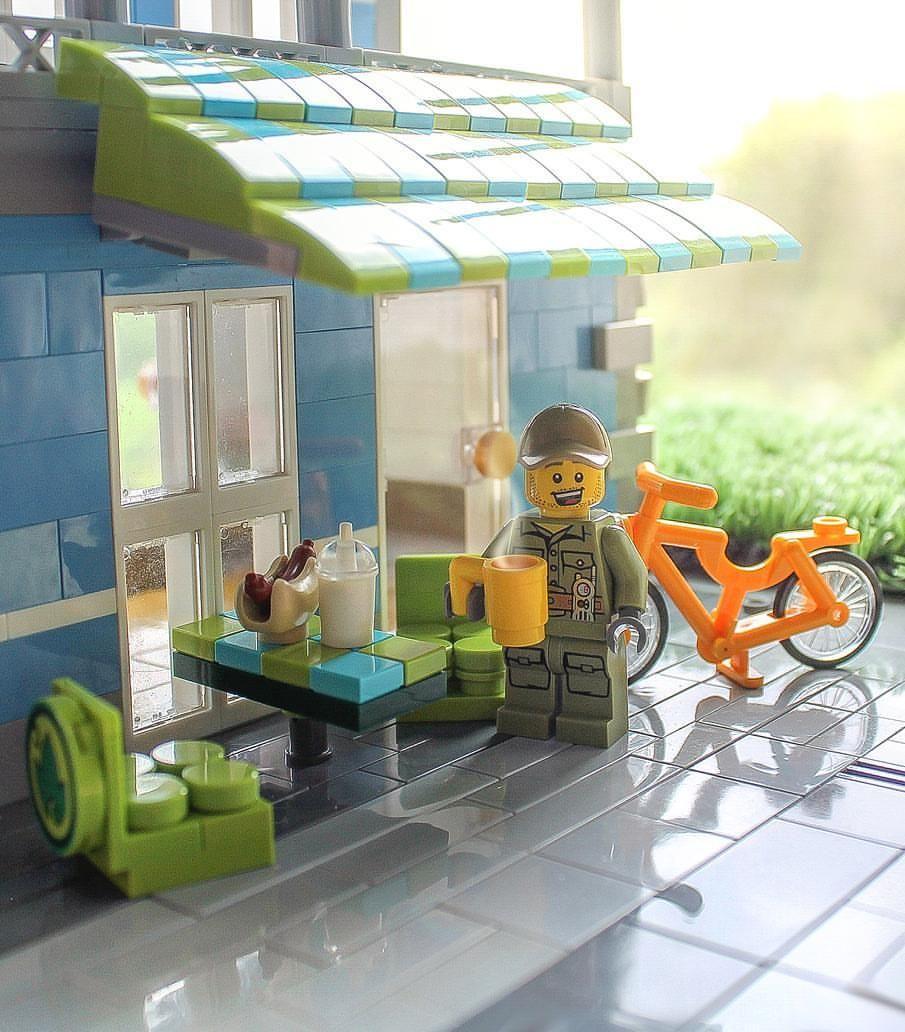 "1,522 Likes, 8 Comments - Brick Explorer 🌍 (@brickexplorer) on Instagram: ""Green Spot Cafe 🍃 ... #lego"""