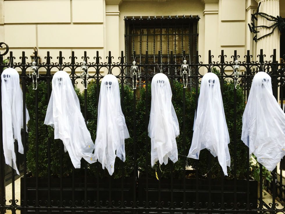 10 Times Outdoor Halloween Decorations Went Way Too Far 10, Home