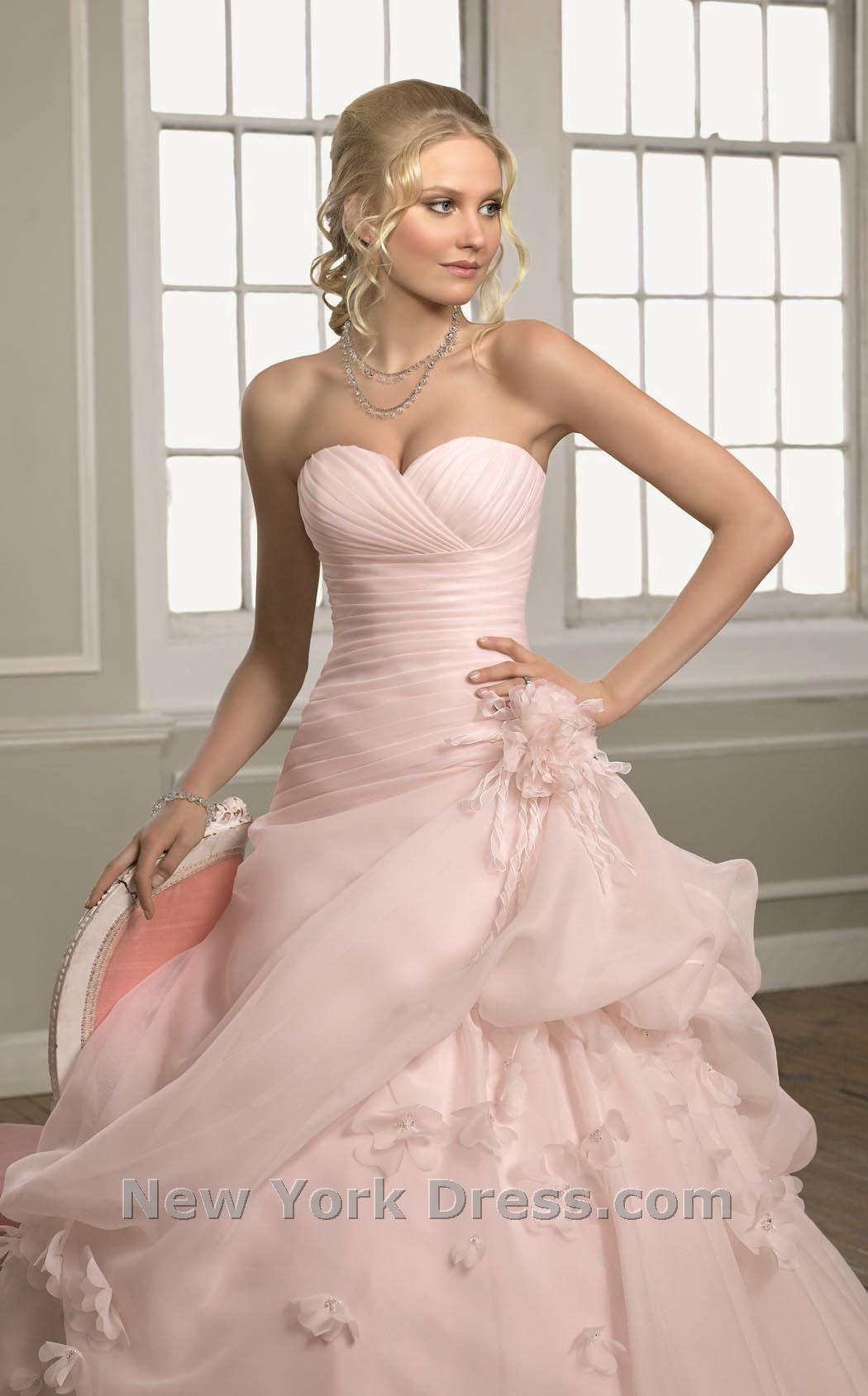 Blush wedding dress | De largo | Pinterest | Novios