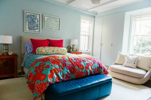 beautiful red and turquoise bedroom idea | theglitterguide.com