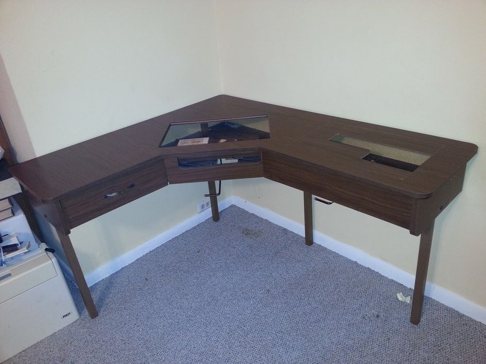 Roberts Sewing Machine Table For 40 Machines Lshaped Model 40 Fascinating Corner Sewing Machine Table