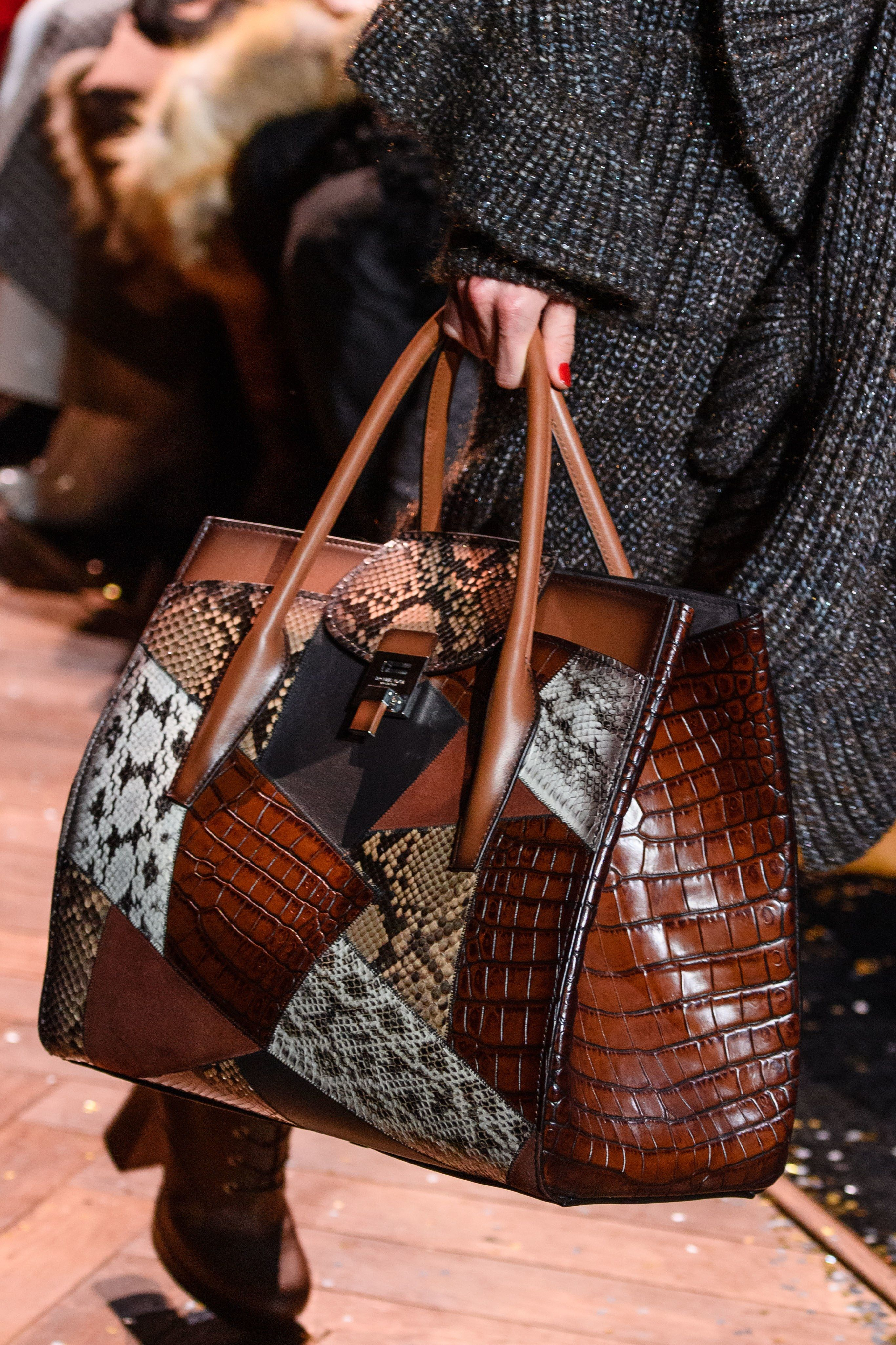 e6dfade2fcfb Michael Kors Collection Fall 2019 Ready-to-Wear Fashion Show in 2019 ...
