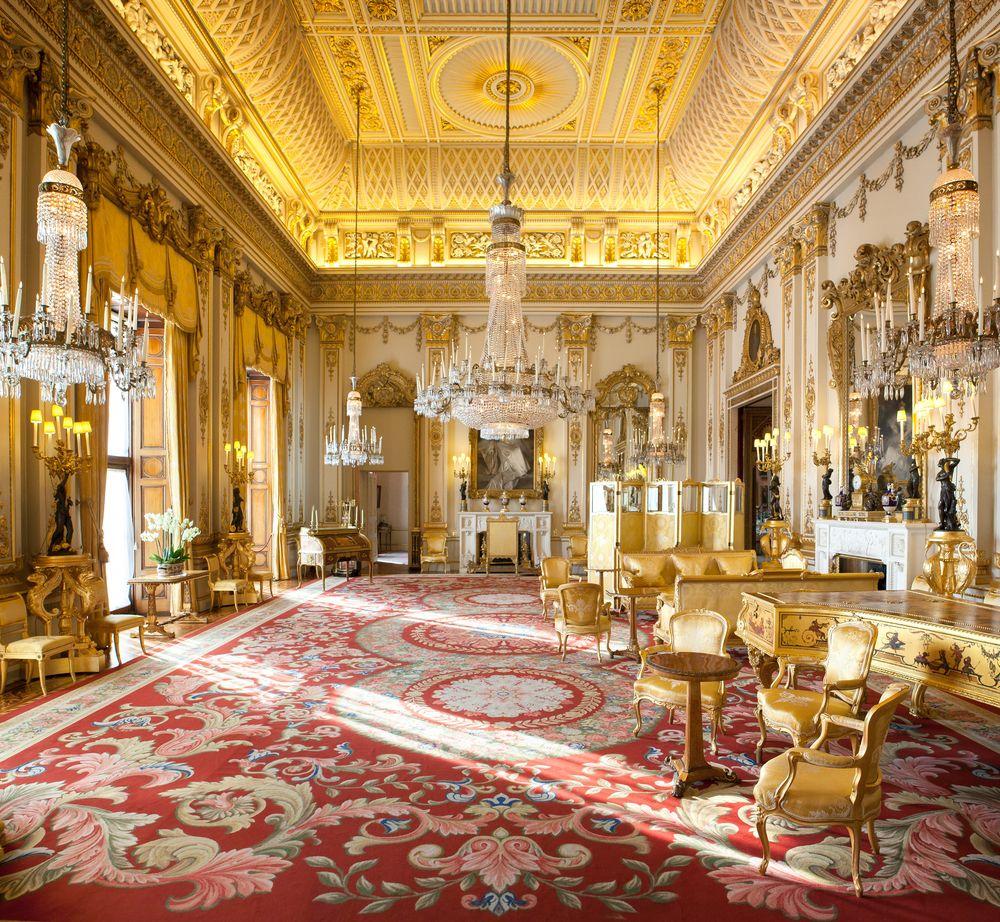 сих картинка комнаты королевы бывает самоуверенным