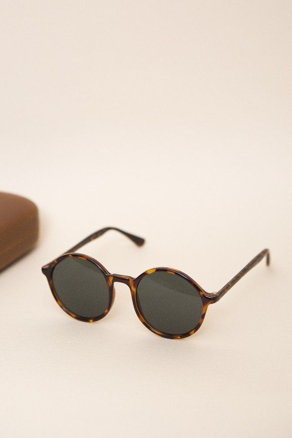9f639a836809 Komono Madison Sunglasses   Tortoise