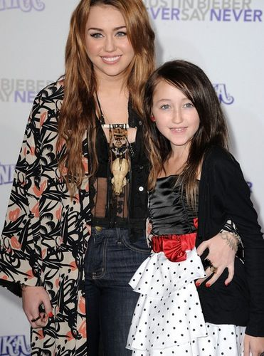 See What Celebrities Younger Siblings Look Like Now Noah Cyrus Miley Cyrus Miley Cyrus Pictures