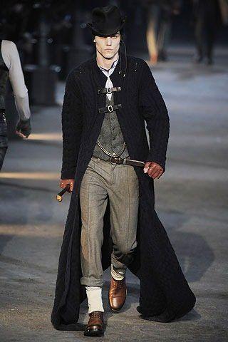 Alexander McQueen Fall Winter 2009 at Milan Fashion Week 8