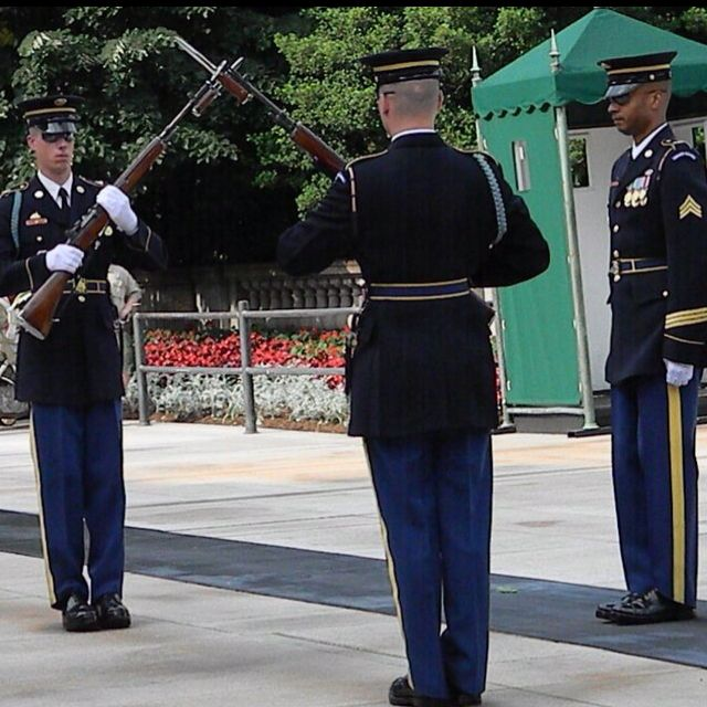 Changing of the Guard at Tomb of The Unknown Soldier. Amazing!