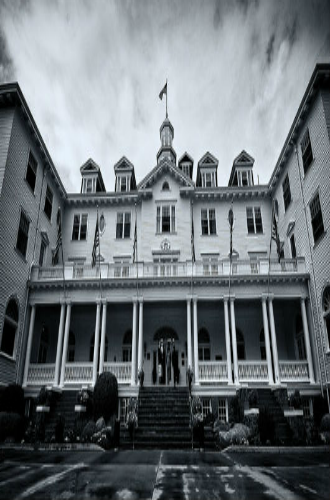 6 historic haunted hotels - Halloween Haunted Places