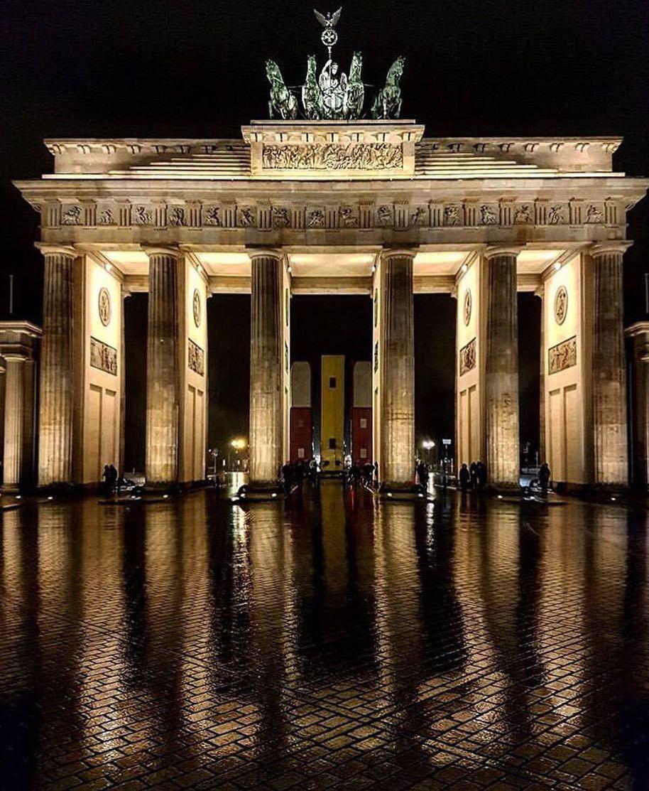 Official Instagram Of Berlin On Instagram Berlingram V E R D Y Durch Den 2 Weltkrieg Wurde Die Qua Berlin Photos Instagram Berlin City