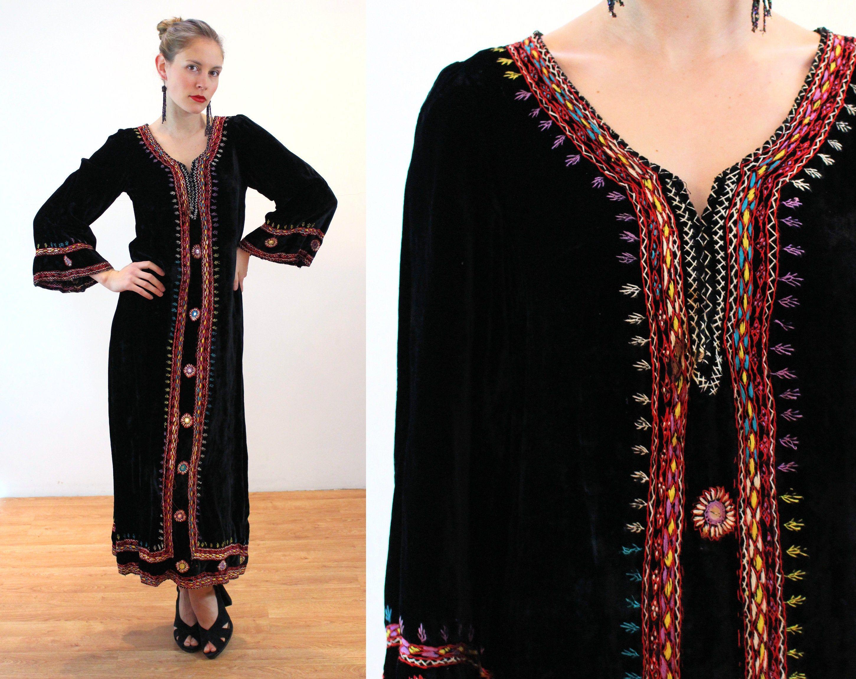 Vintage 60s Dress  Maxi dress  Black dress  long maxi dress  Black Gold Dress  boho dress sleeveless  vintage  70s  Black dress