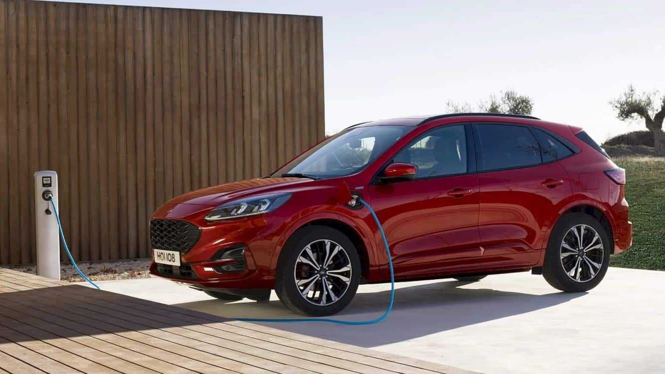 All New Ford Kuga Goes Almost 30 Per Cent Further On A Litre Of Fuel For Best In Class Efficiency Ford Of Europe Ford Media Center