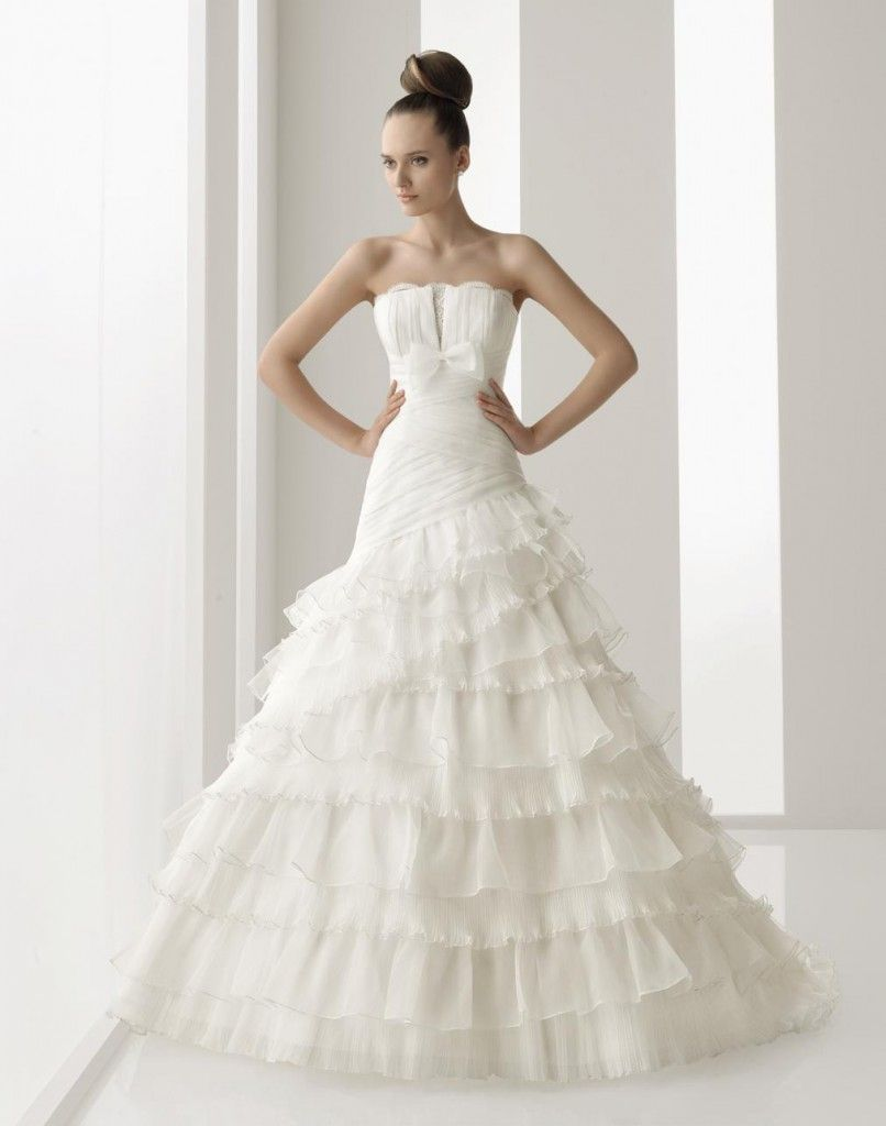 Traditional Spanish style wedding dresses. Foto - 7 | a wedding ...