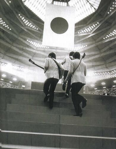 The Beatles step onstage in Tokyo Japan. 1966. http://t.co/yd4bNkCEiK http://t.co/nQvQJc9G1c http://t.co/Tank63y0UQ