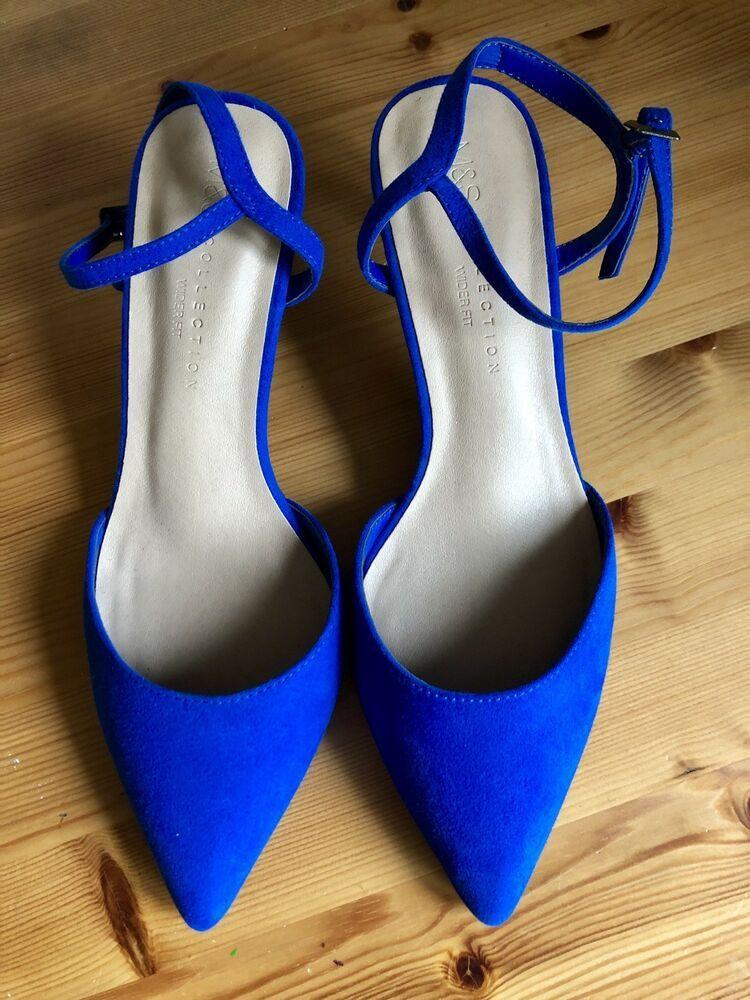 Heels, Kitten heel slingback shoes