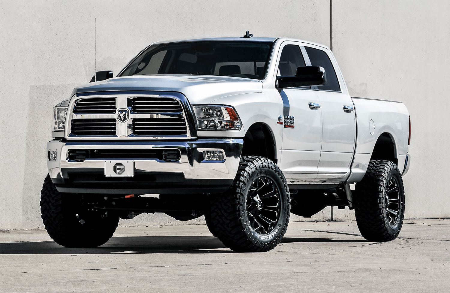 Dodge ram 2500 diesel with the all new fuel assult rims