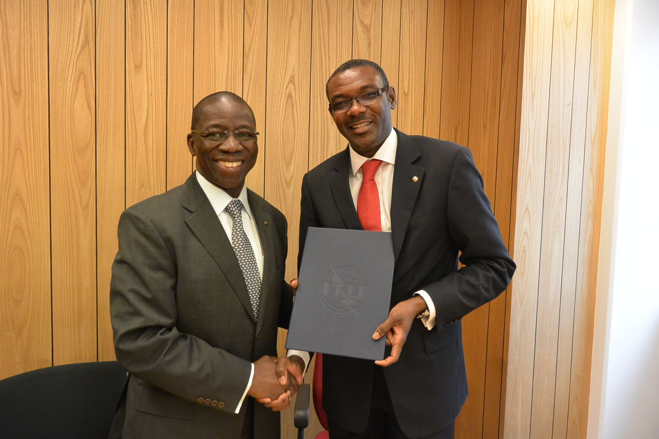 Expanding the use of IPv6 in African countries: Letter of Intent signed with AFRINIC to strengthen collaborative efforts to promote and support IPv6 deployment throughout Africa