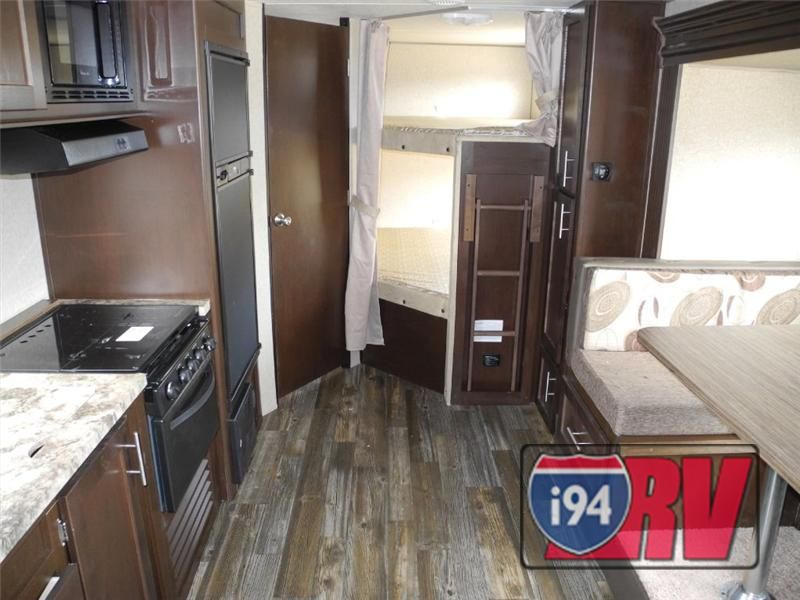 New 2015 Forest River Rv Cherokee Grey Wolf 23dbh Forest River