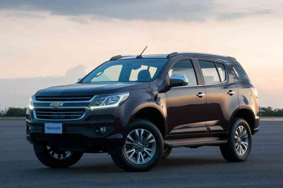 2017 Chevrolet Trailblazer Facelift Officially Launched Chevrolet Trailblazer Carros Y Motos Coches Deportivos
