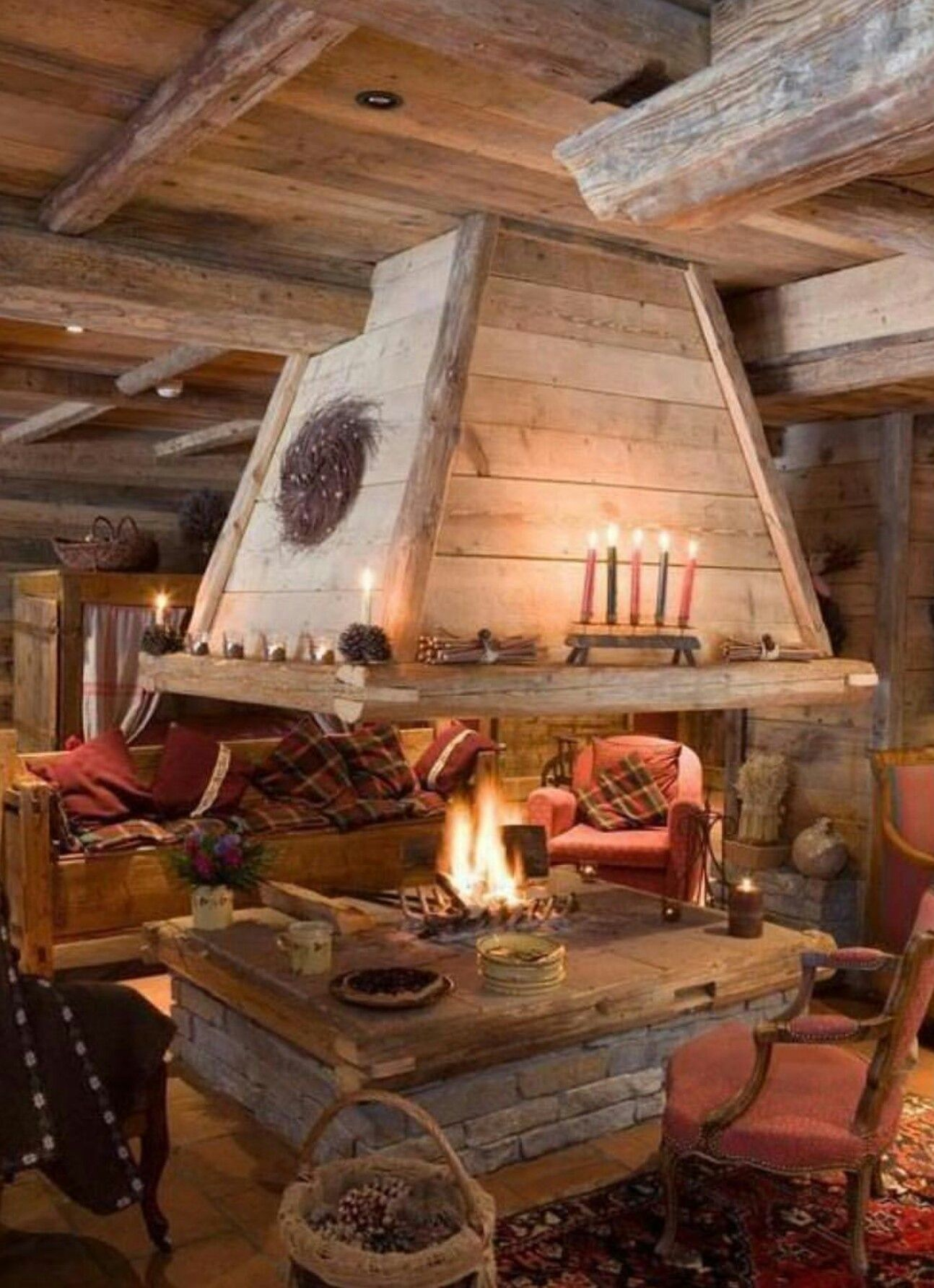 How Cool Is This Fire Pit In This Cabin Living Room Barns