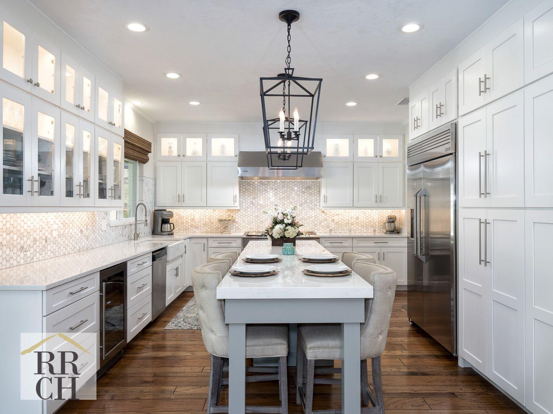 Waypoint Painted Linen Shaker Style Cabinets Quartz Countertops Marble Backsplash Wood Floors Kitchen Shaker Style Cabinets Kitchen Layout