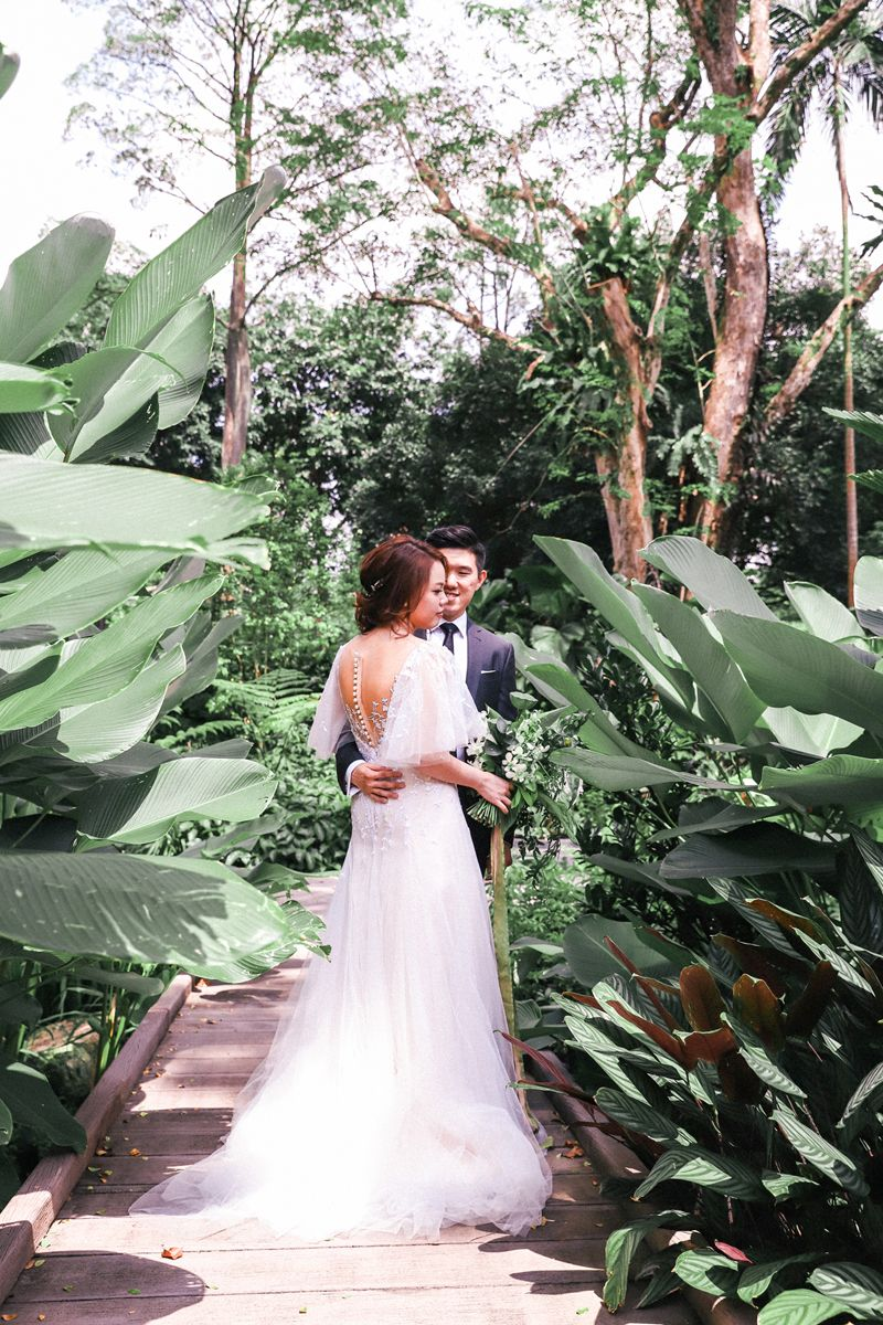 Shermaine And Kelvin S Wild Botanical Wedding At Chijmes Singapore Botanical Wedding Wedding Wedding Dresses [ 1200 x 800 Pixel ]