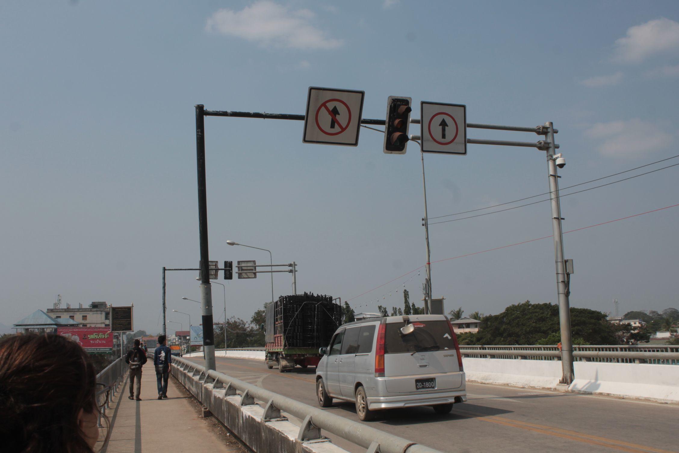 Tailandia-Birmania cambiando el sentido de la conducción