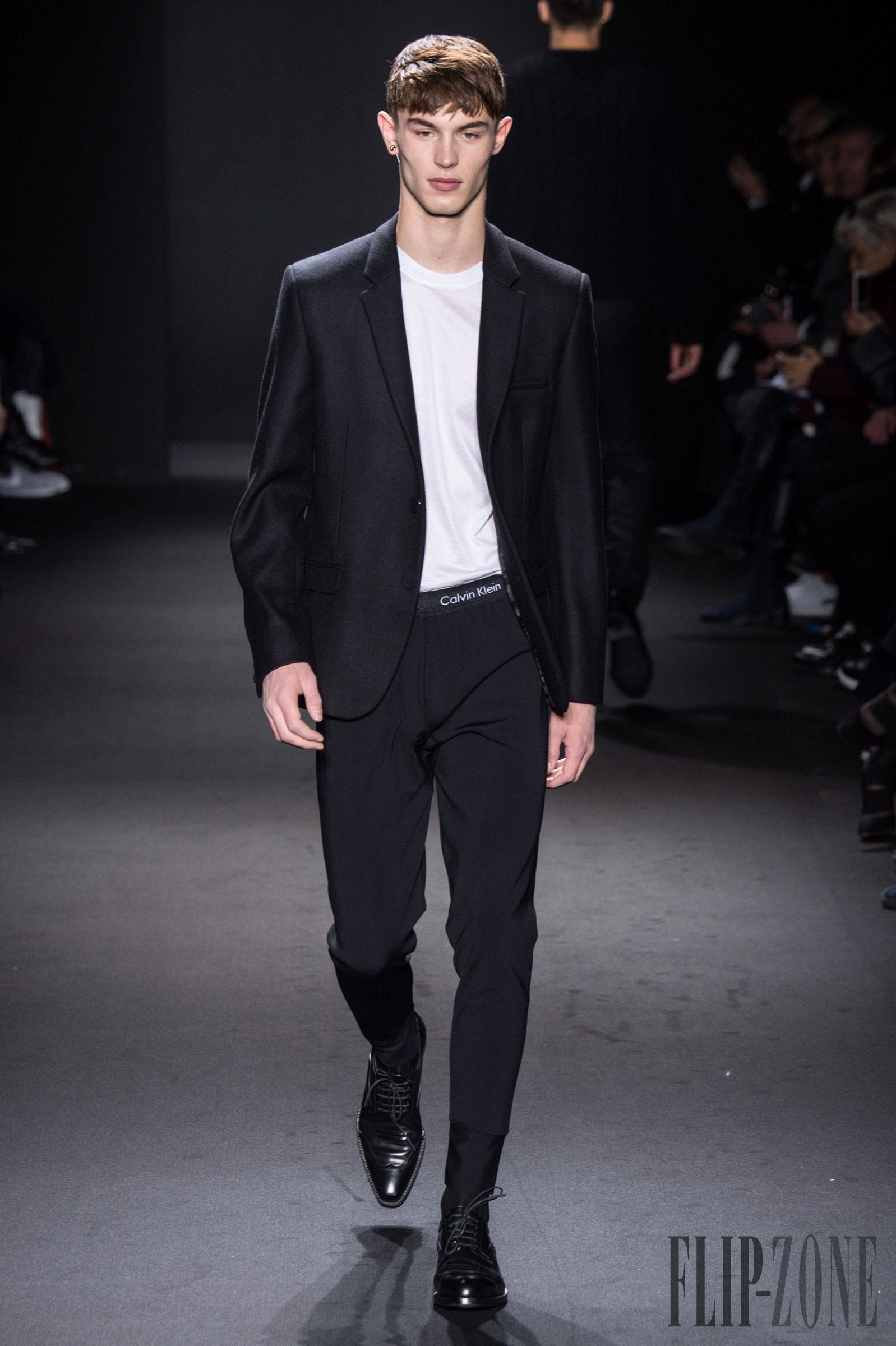 CALVIN KLEIN SPRING SUMMER 2016 MEN'S COLLECTION | The