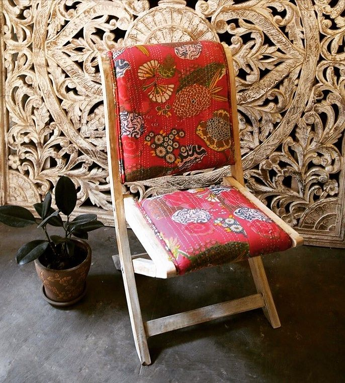 This bright upholstered vintage chair can brighten any space. #vintagechair #vintagefurniture #chairs #brighthair #homedecor #decorideas #decorinspiration #homeproud #beautifulhomes #indianhomes #sunshineboulevard