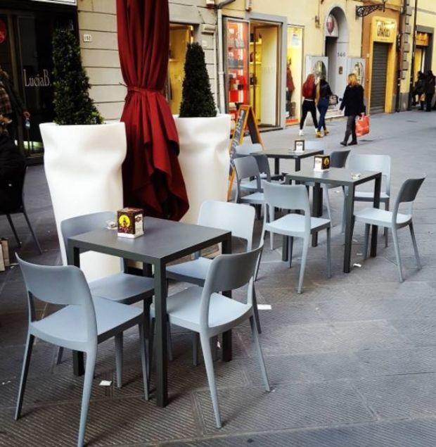 Mobilier Pour Bar Restaurant Chaise Nene Sledge Mobilier Design Design Et Mobilier