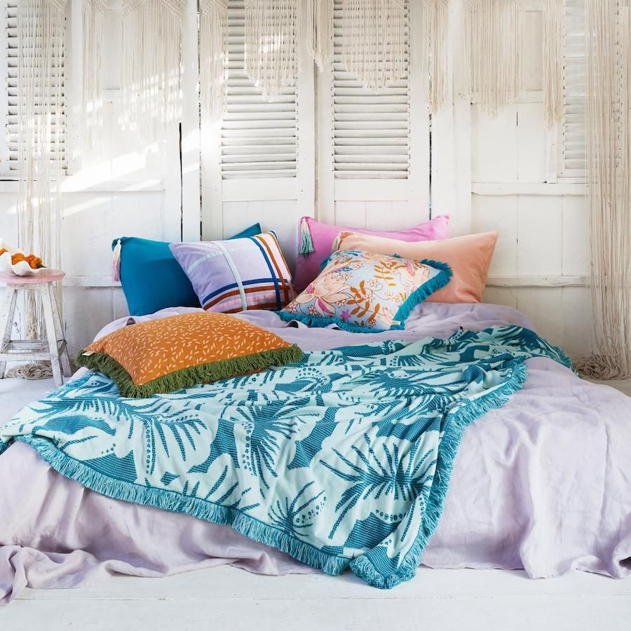 Pin by Pequena Cookie on Bedrooms (With images) Urban