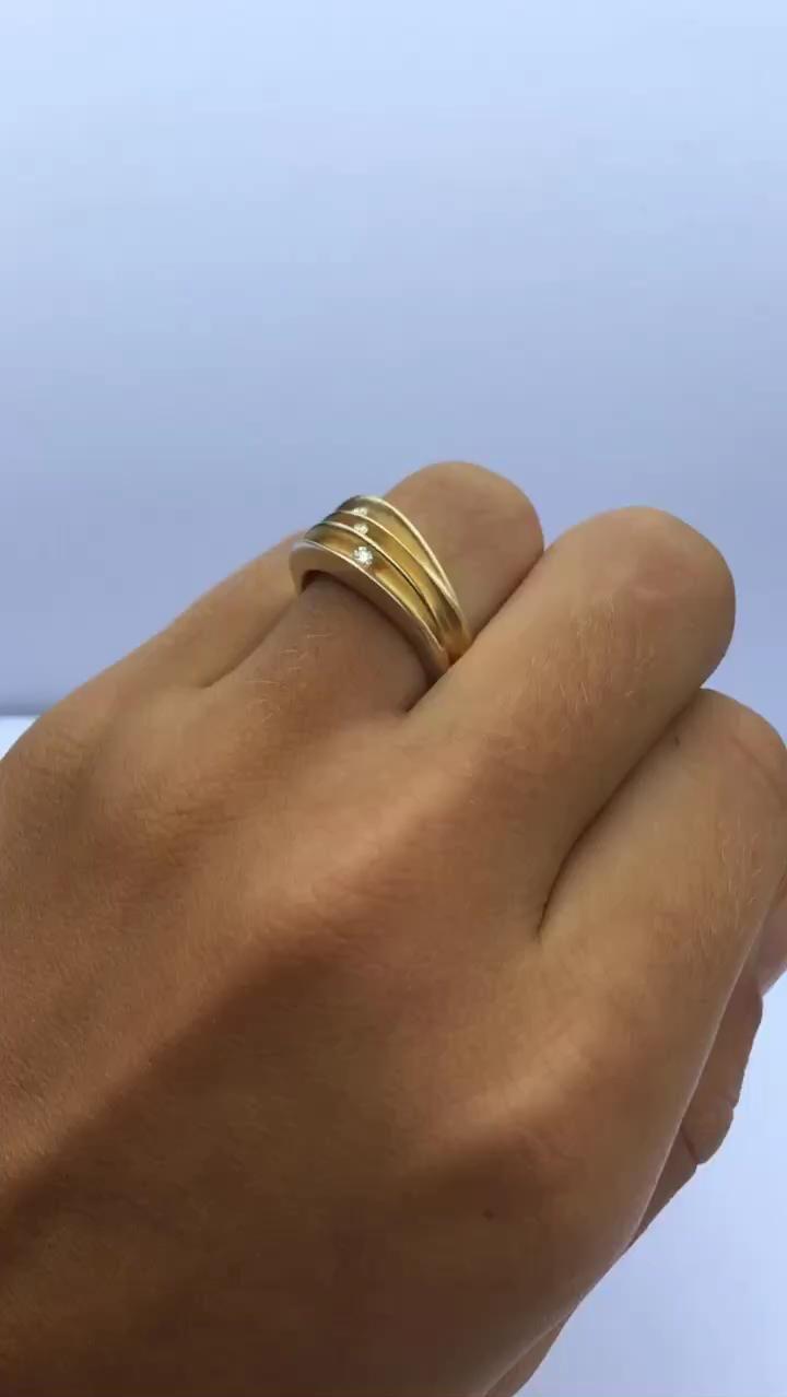 Trio diamond silver ring with 0.03ct vsfg diamonds & contrasting 22ct gold plating #paulfinchjewellery #diamondrings #statementrings #handmaderings #contemporaryjewellery