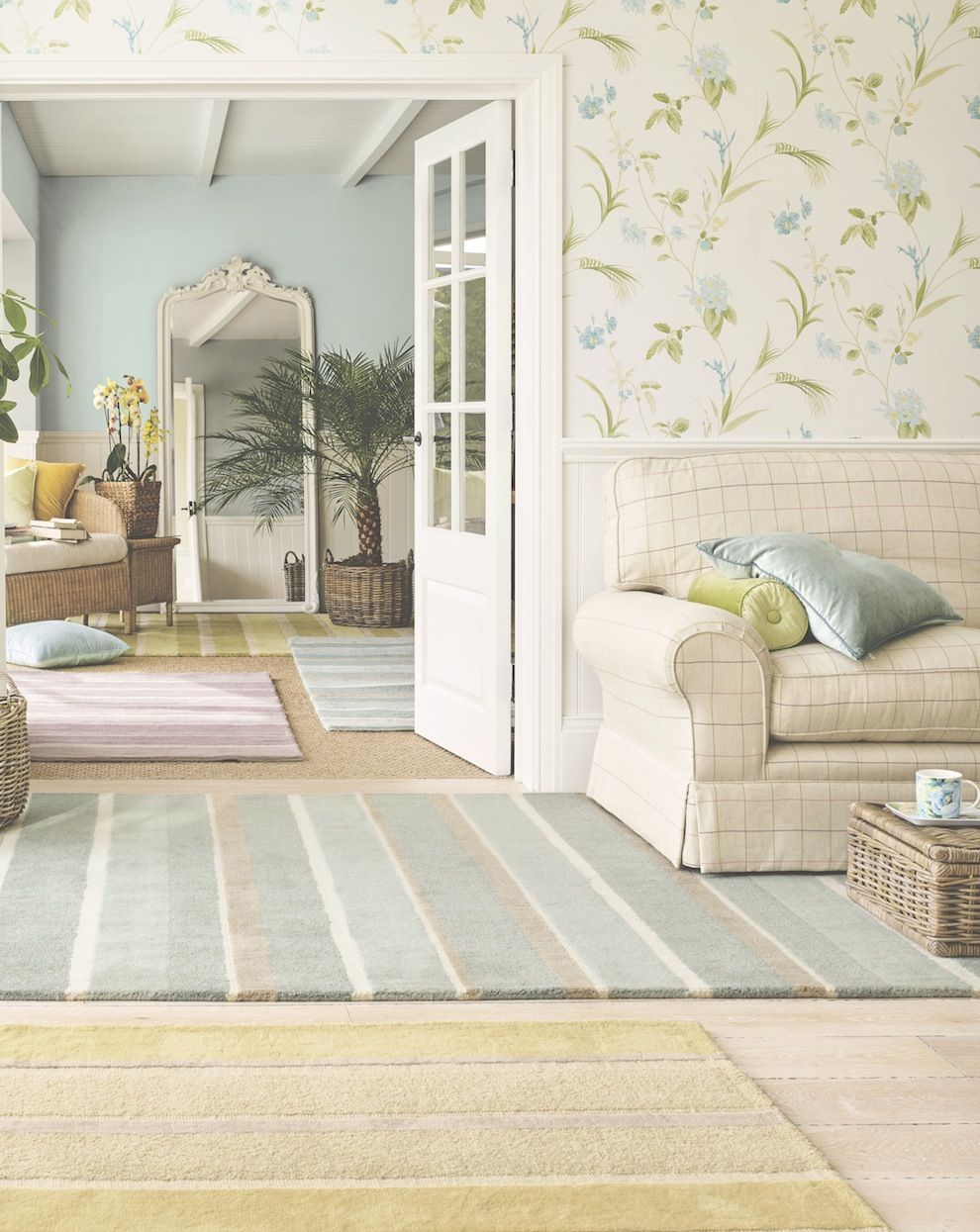 FROM ARCHIVE TO NEW SEASON ORCHID APPLE PRINT