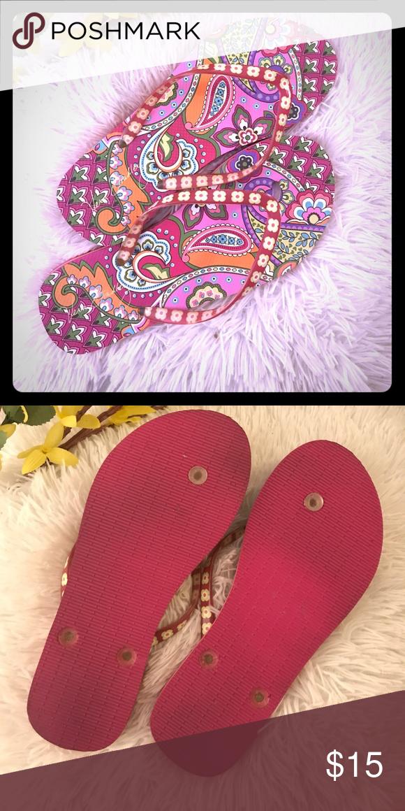5468ff8592dc Vera Bradley 🌺 flip flops Pink Swirls pattern. In excellent used  condition. Size 7-8 Vera Bradley Shoes Sandals