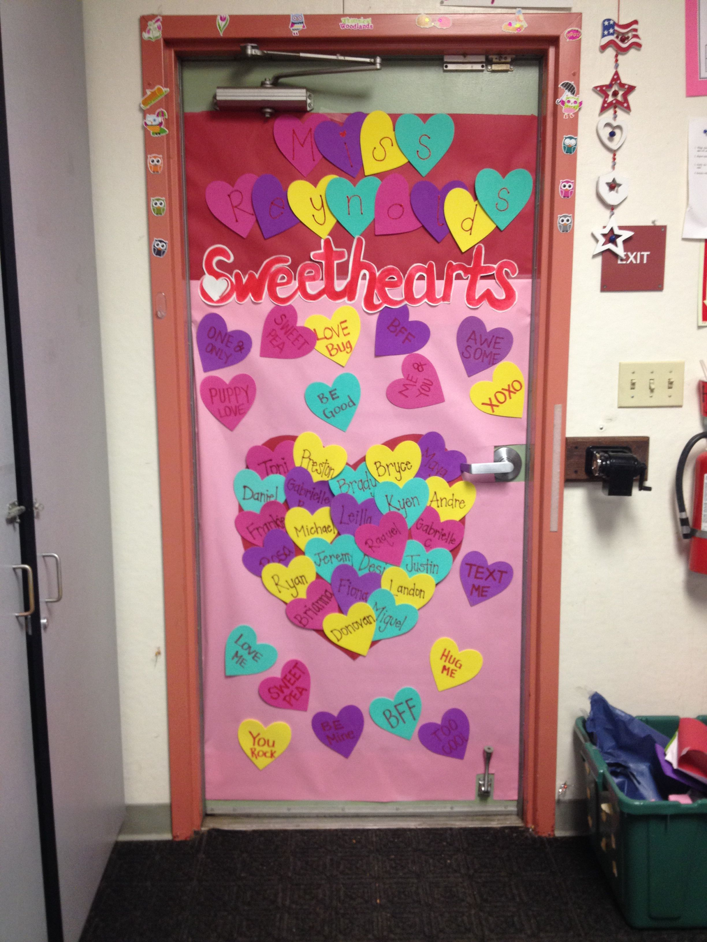 Valentine 39 s classroom door decoration bulletin boards for Decoracion de puertas de san valentin