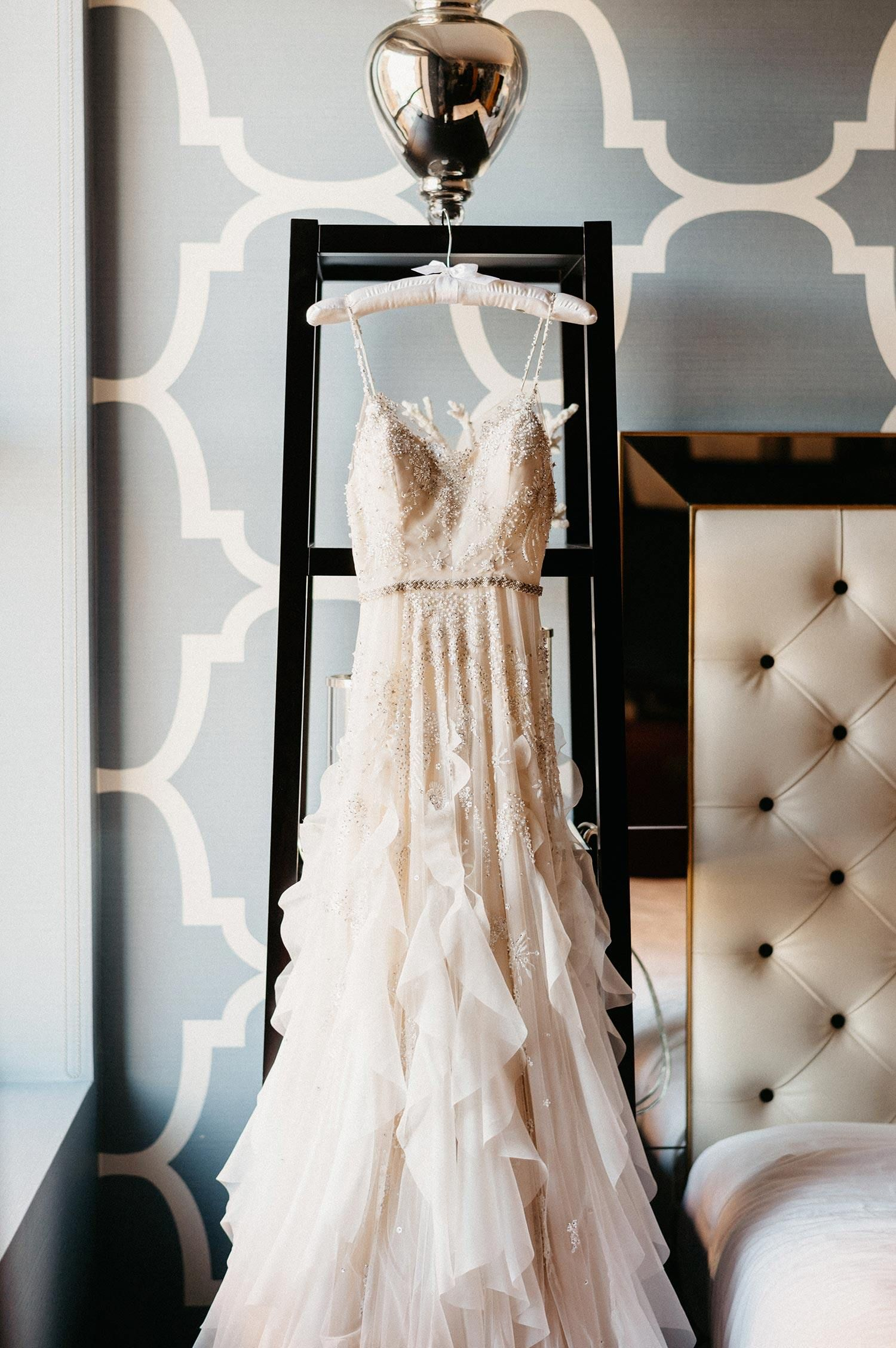 Moody College Of Physicians Wedding With Apothecary Accents Country Wedding Dresses Dreamy Wedding Dress Wedding Dresses Romantic [ 2255 x 1500 Pixel ]