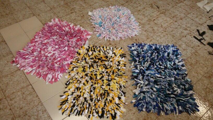 Tappeti In Tessuto Riciclato : Tappeti con tessuto riciclato i lavori di rita e miriam