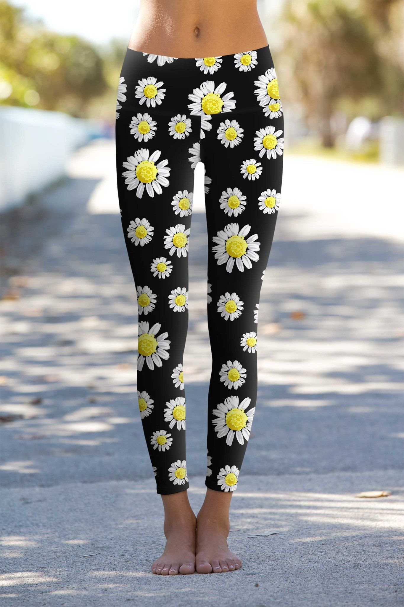 4cfcbe74b0 Oopsy Daisy Lucy Black Floral Performance Leggings - Women
