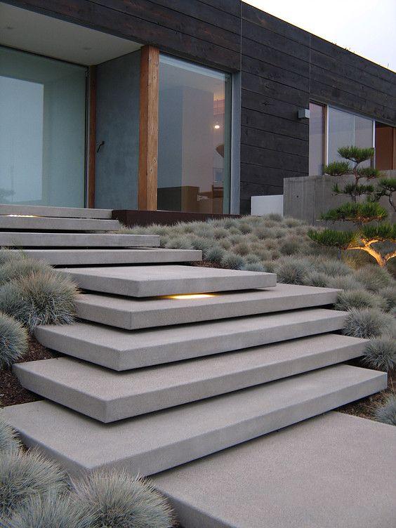 Escalier exterieur grandes marches idees maisons for Marche escalier exterieur
