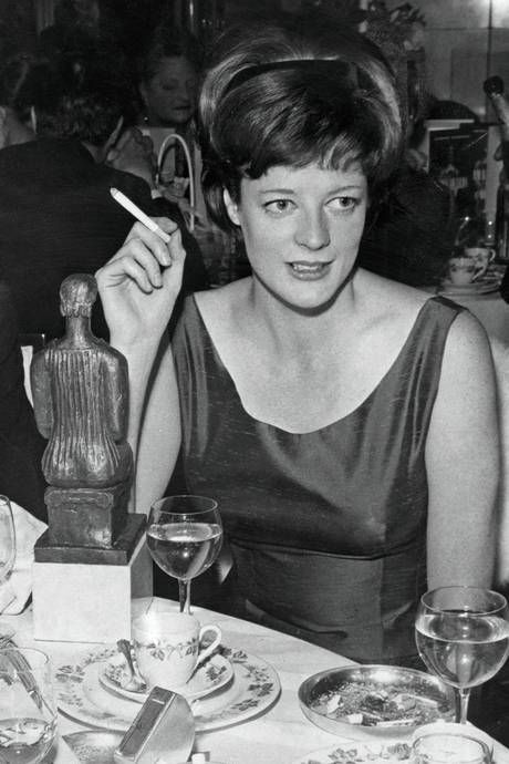 1960s maggie smith best actress 1962 picture hulton