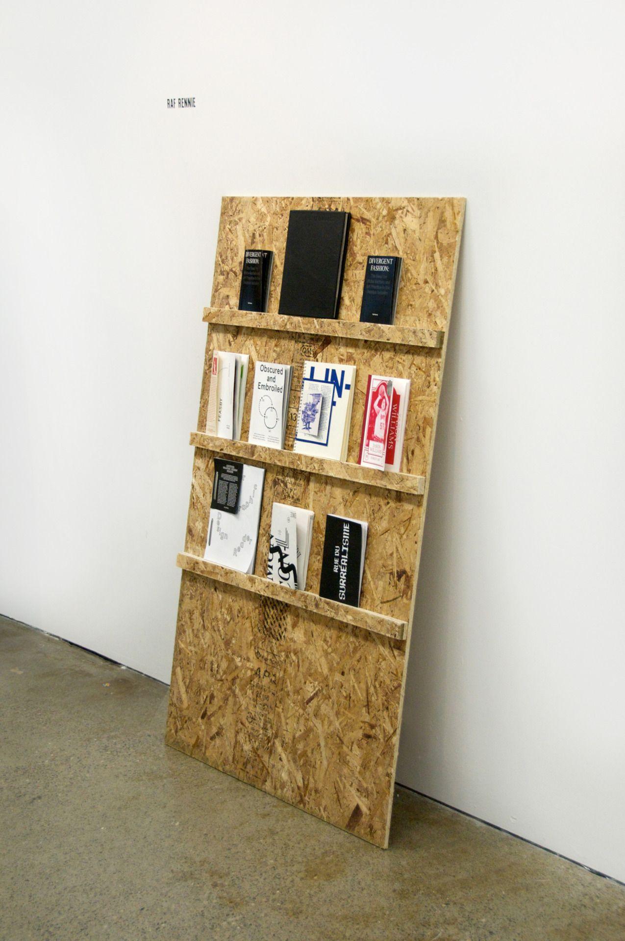 Richeltje Op De Wand Van De Kast Voor Mooie Boeken Of Fotos