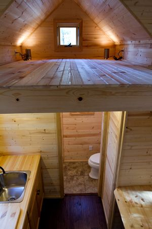 10 tiny home designs exteriors interiors photos for Sleeping cabin plans